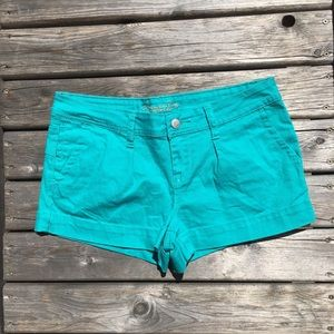 💥5/$25 American Rag Pleated Front Jean Shorts